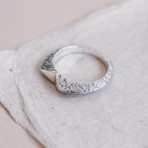 Terrain-Contrast-Ring-Packshot