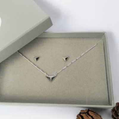 Facet Necklace & Earring Gift Set